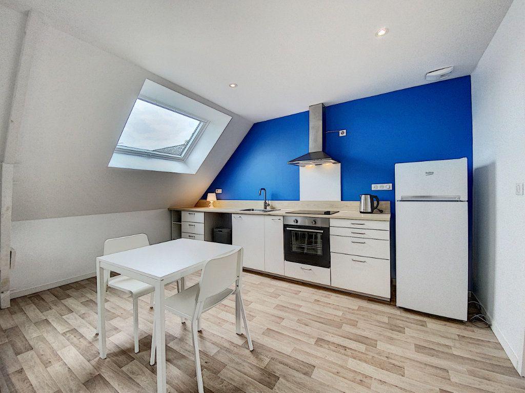 Appartement à louer 2 36.55m2 à Lorient vignette-2