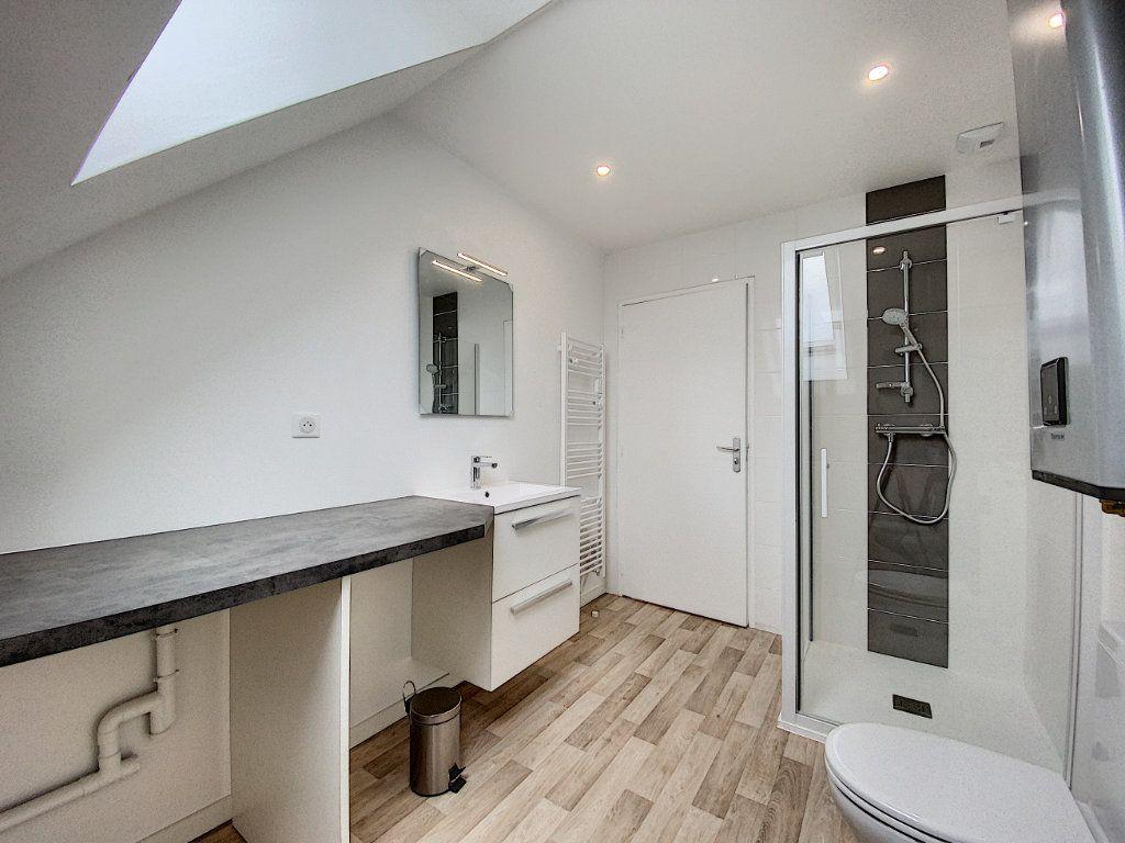 Appartement à louer 2 36.55m2 à Lorient vignette-10