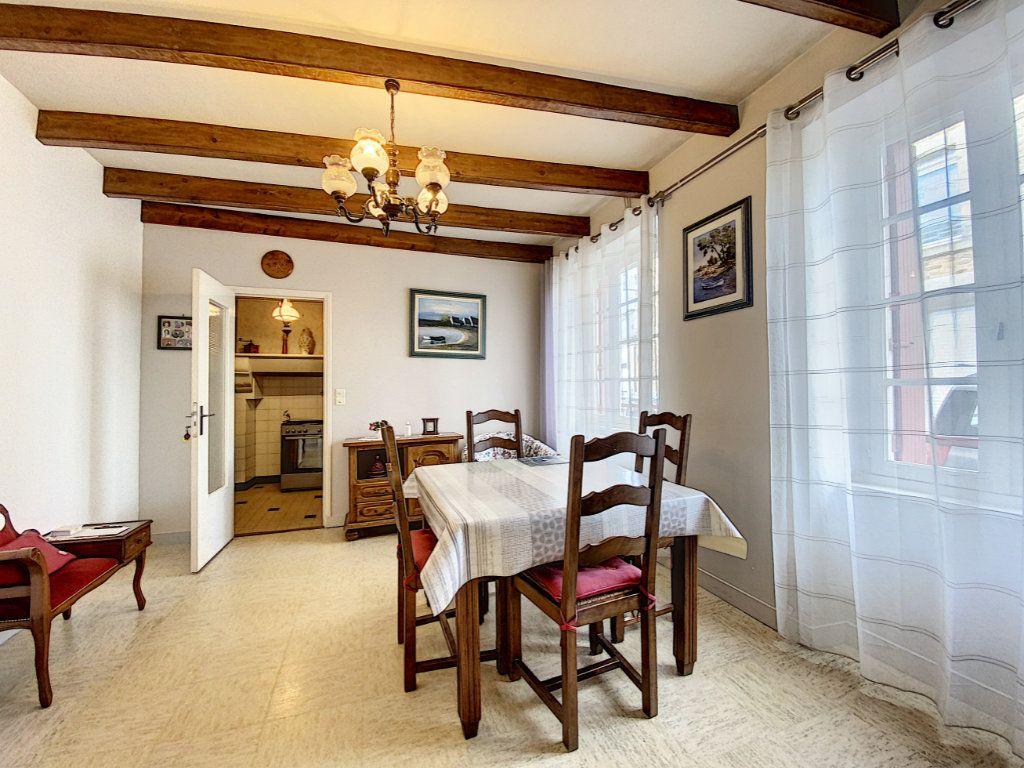 Maison à vendre 5 129.31m2 à Lorient vignette-2