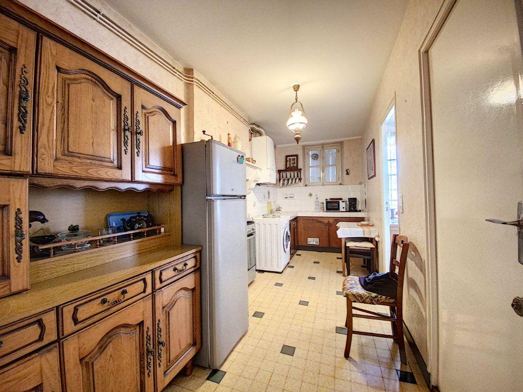 Maison à vendre 5 129.31m2 à Lorient vignette-5