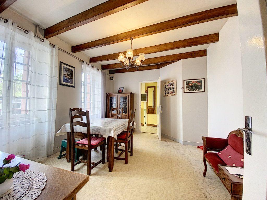 Maison à vendre 5 129.31m2 à Lorient vignette-6