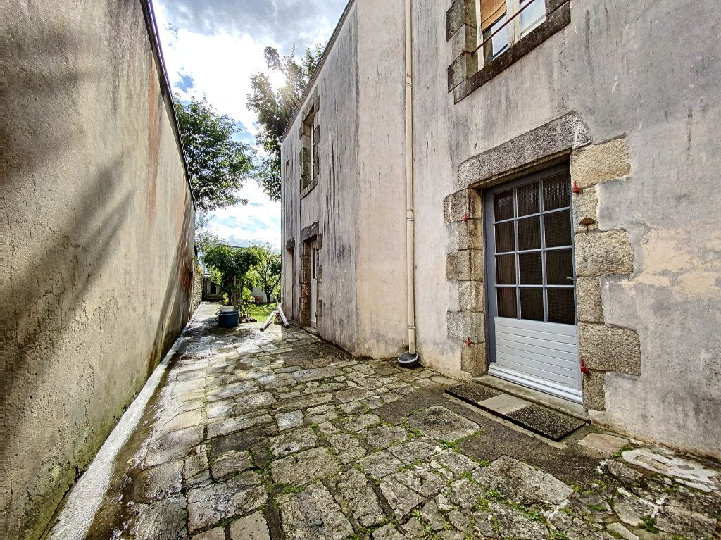 Maison à vendre 5 129.31m2 à Lorient vignette-8