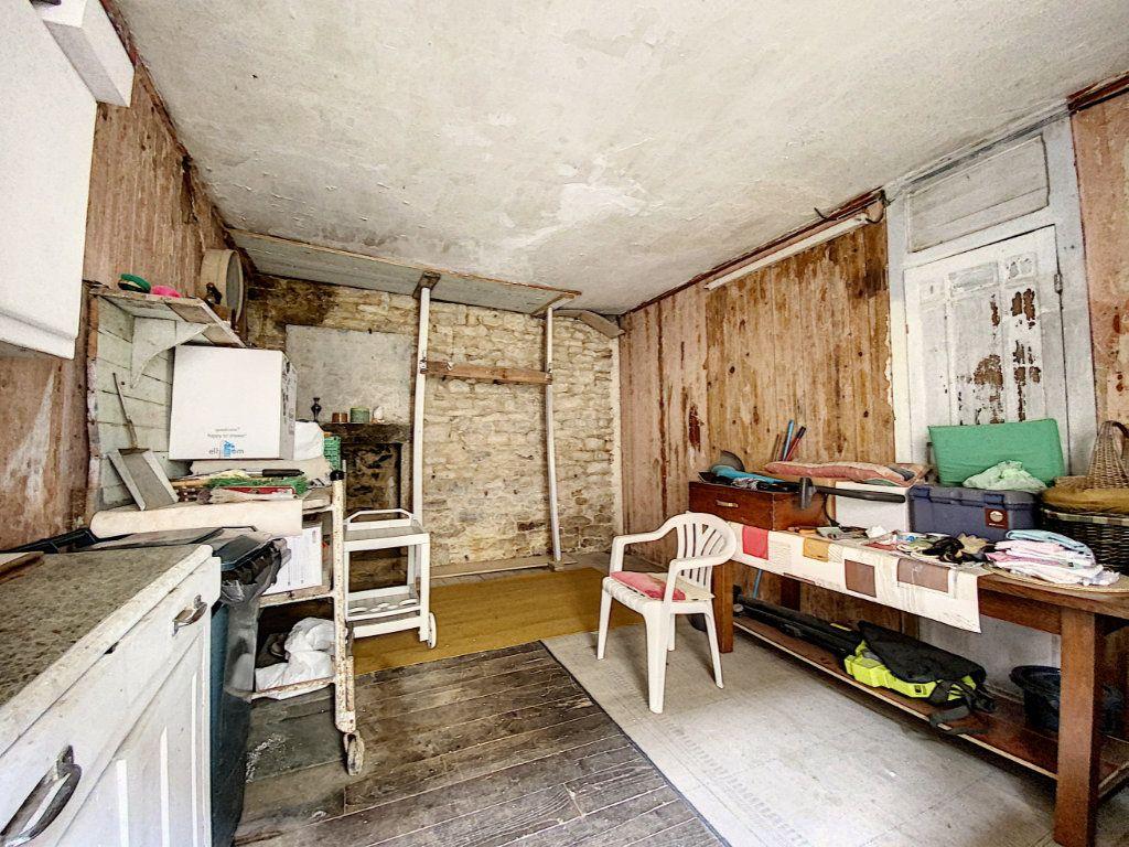 Maison à vendre 5 129.31m2 à Lorient vignette-10