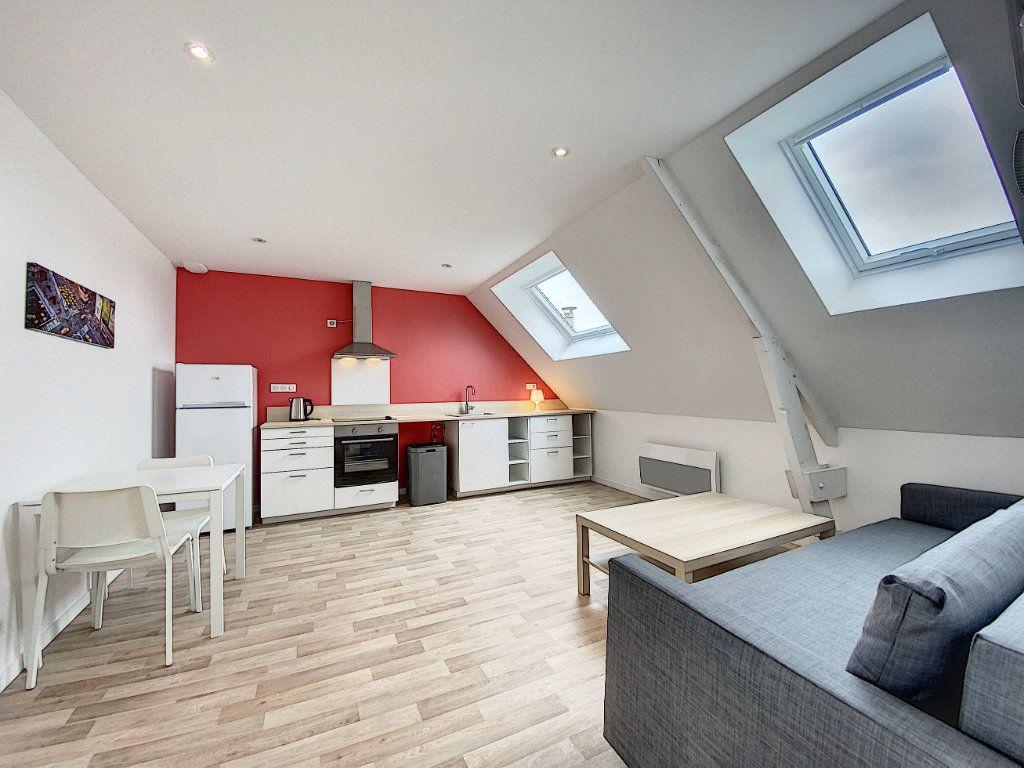 Appartement à louer 2 34.12m2 à Lorient vignette-1
