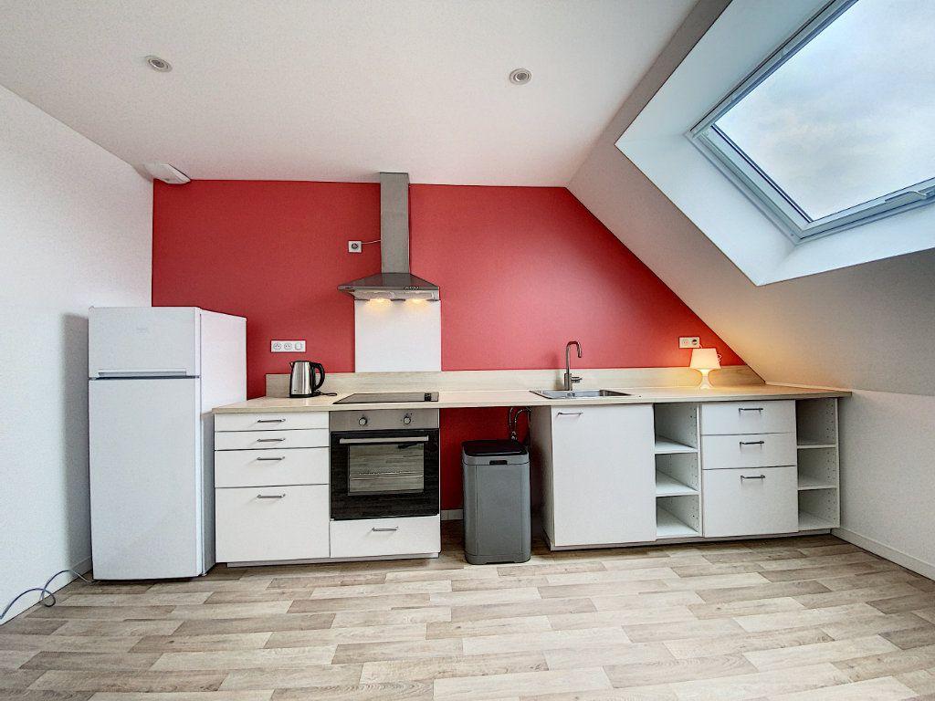Appartement à louer 2 34.12m2 à Lorient vignette-3
