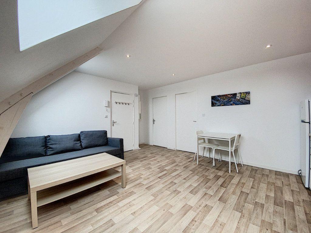 Appartement à louer 2 34.12m2 à Lorient vignette-4