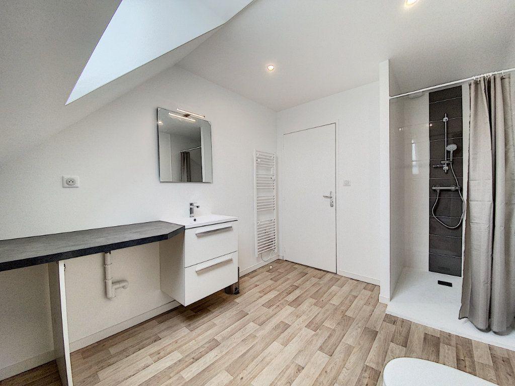 Appartement à louer 2 34.12m2 à Lorient vignette-10