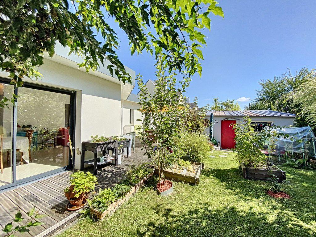 Maison à vendre 7 173m2 à Lorient vignette-1