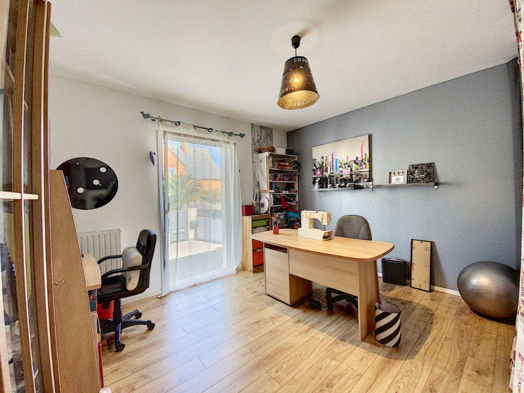 Maison à vendre 7 173m2 à Lorient vignette-12