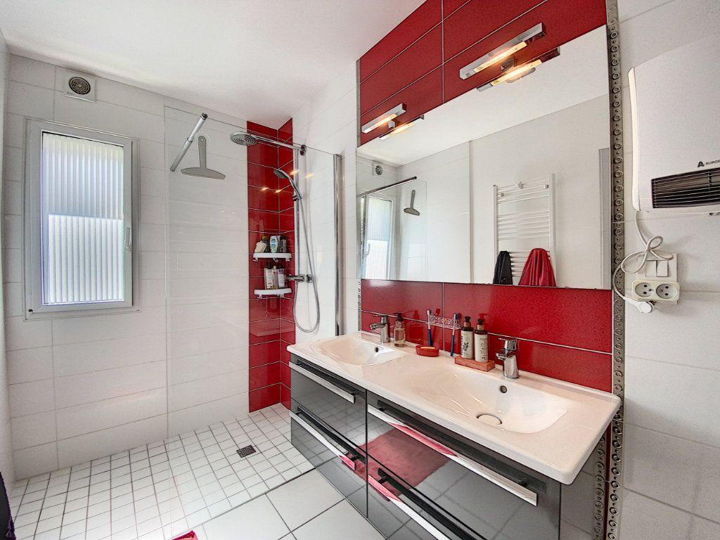 Maison à vendre 7 173m2 à Lorient vignette-14