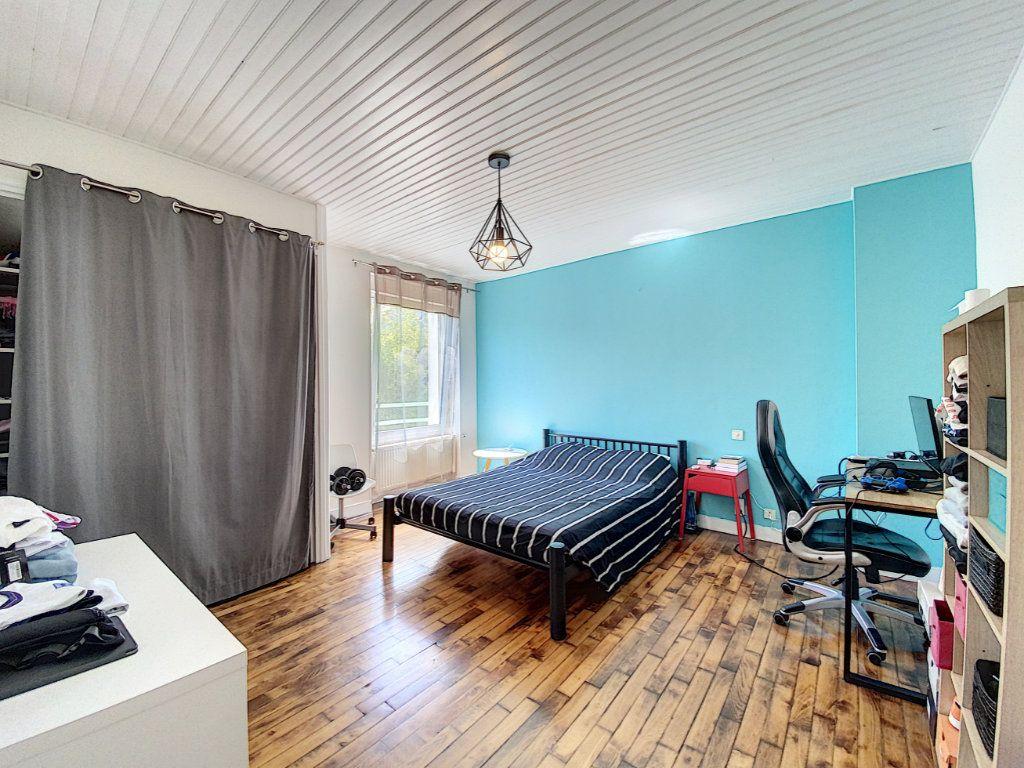 Maison à vendre 7 173m2 à Lorient vignette-17