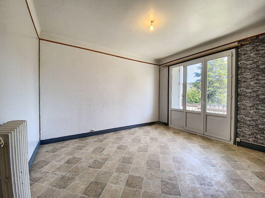 Appartement à louer 2 48m2 à Lorient vignette-8