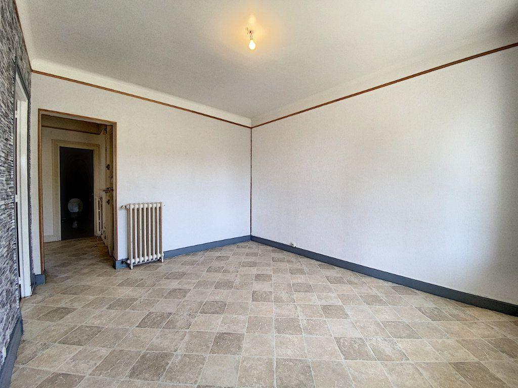 Appartement à louer 2 48m2 à Lorient vignette-9