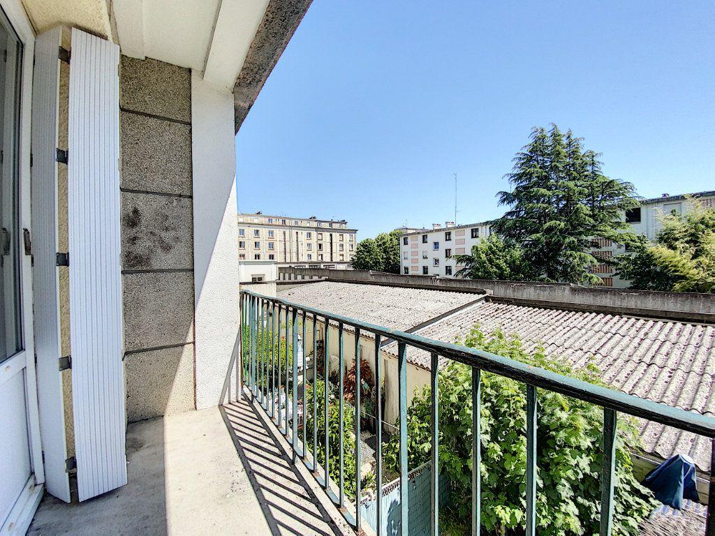 Appartement à louer 2 48m2 à Lorient vignette-11