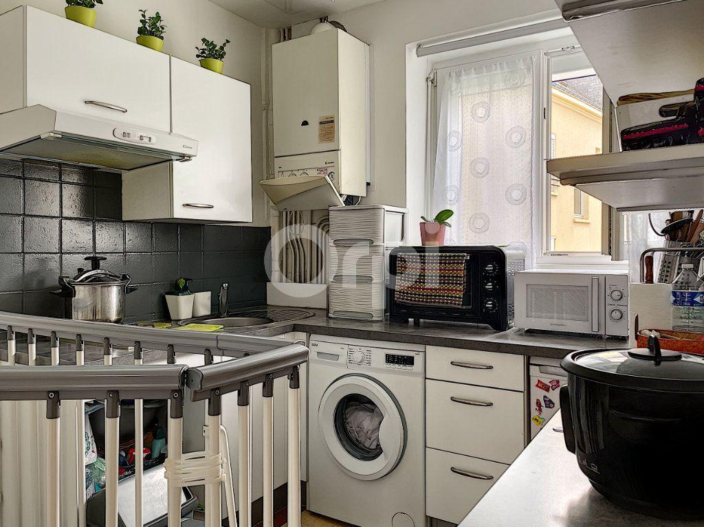 Appartement à vendre 2 38.07m2 à Lorient vignette-2