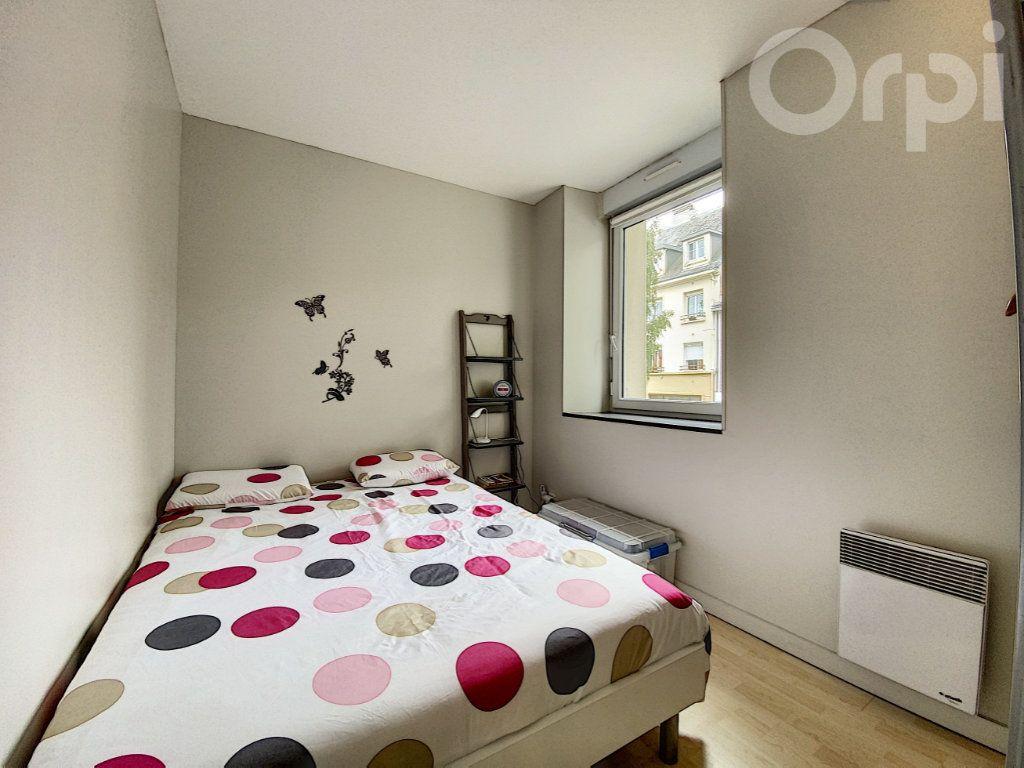 Appartement à vendre 2 30m2 à Lorient vignette-2