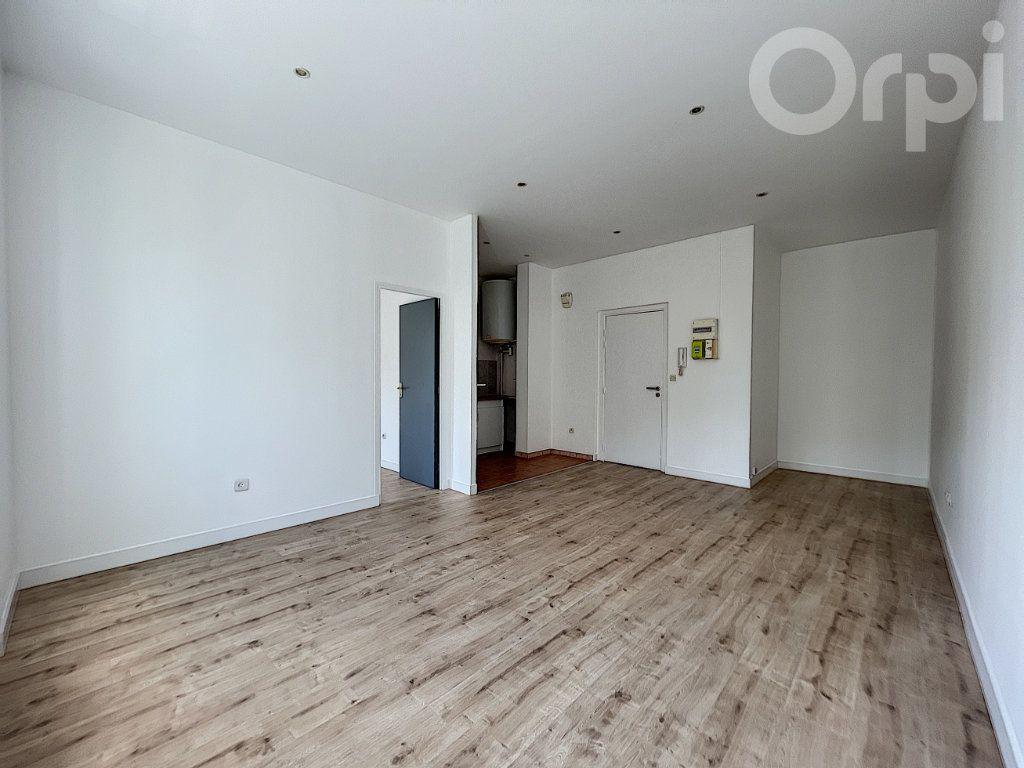 Appartement à vendre 2 42m2 à Lorient vignette-2