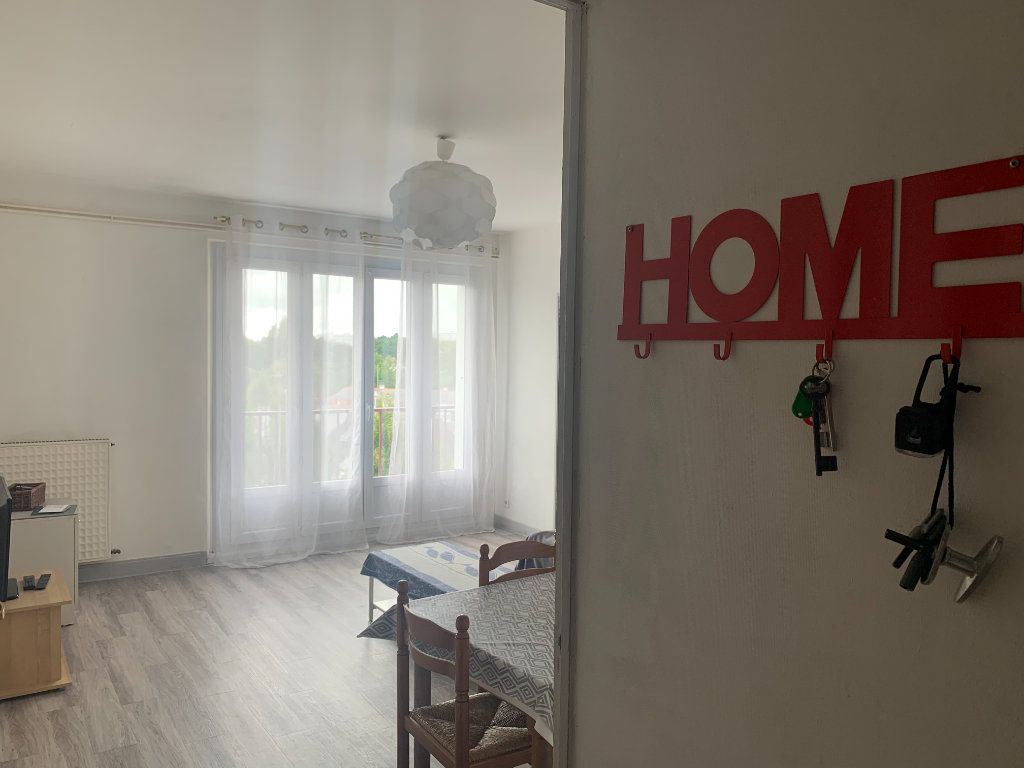 Appartement à louer 1 10m2 à Lorient vignette-3