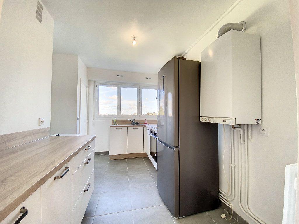 Appartement à louer 3 71.33m2 à Lorient vignette-7