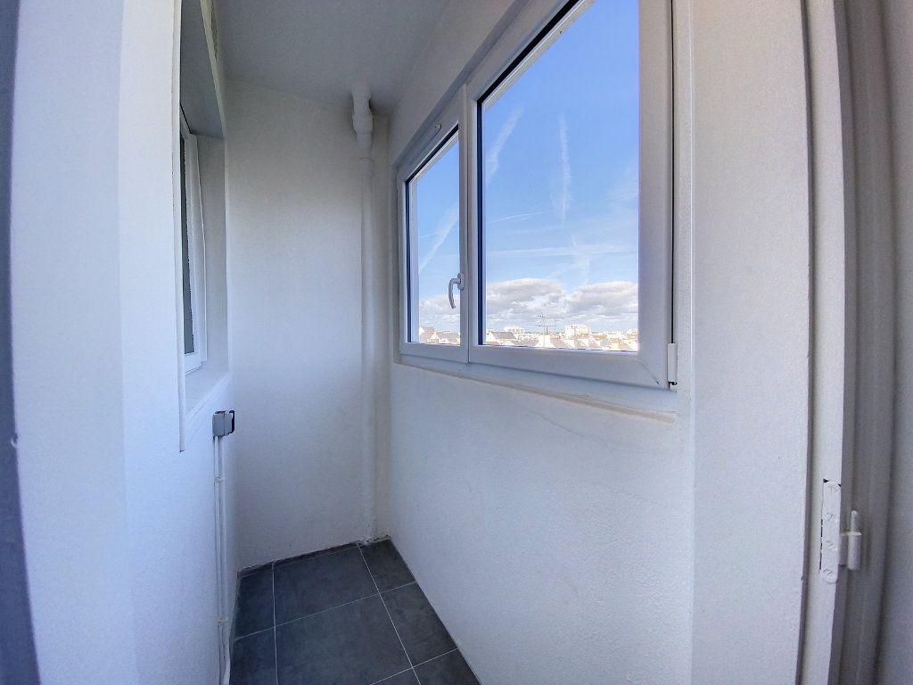Appartement à louer 3 71.33m2 à Lorient vignette-8