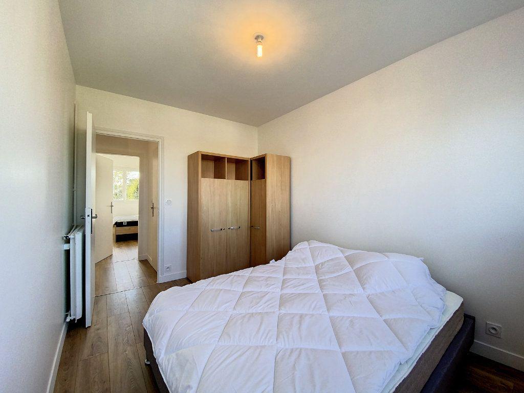 Appartement à louer 3 71.33m2 à Lorient vignette-12
