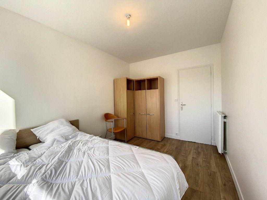 Appartement à louer 3 71.33m2 à Lorient vignette-14