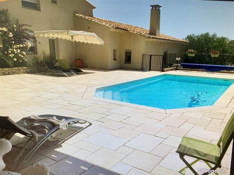 Maison à vendre 7 200m2 à Sanary-sur-Mer vignette-1