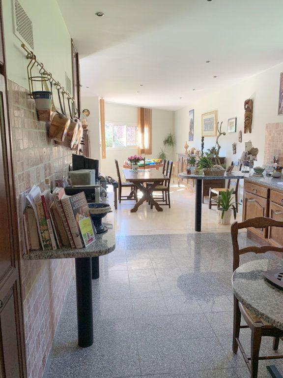 Maison à vendre 5 190m2 à Marseille 11 vignette-4