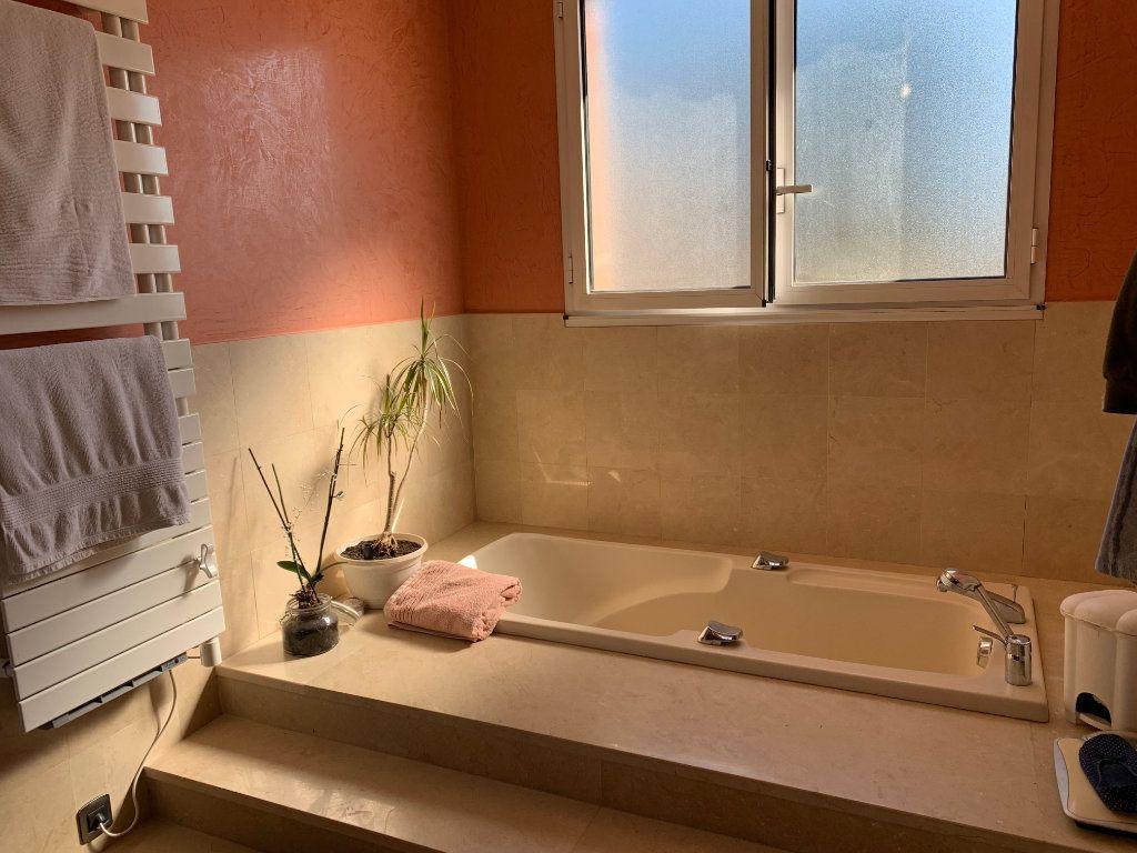 Maison à vendre 5 190m2 à Marseille 11 vignette-7