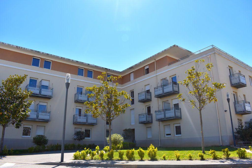 Appartement à louer 1 18.59m2 à Aix-en-Provence vignette-1
