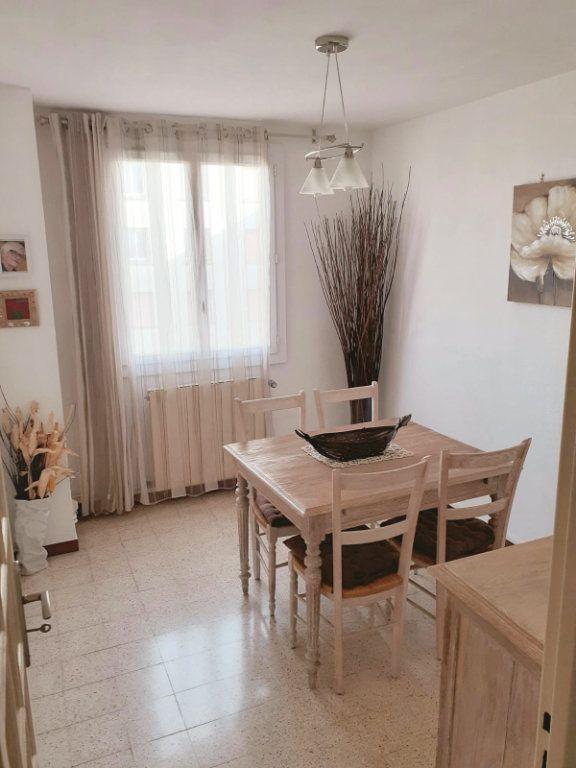 Appartement à vendre 5 72m2 à Marseille 3 vignette-2
