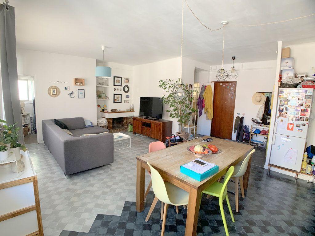 Appartement à vendre 4 77.12m2 à Marseille 4 vignette-2