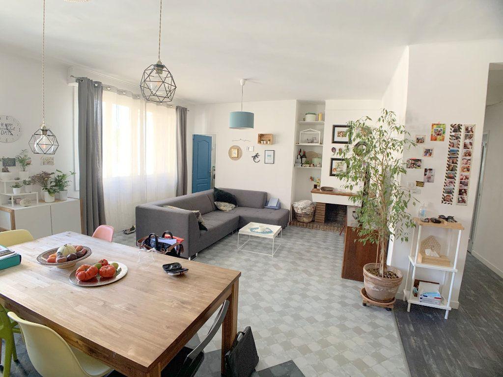 Appartement à vendre 4 77.12m2 à Marseille 4 vignette-3