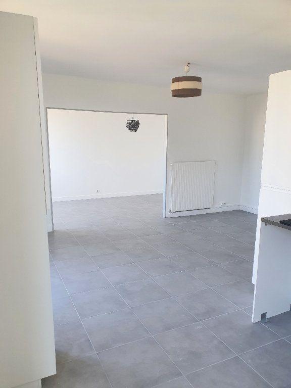 Appartement à louer 4 67.92m2 à Marseille 13 vignette-5