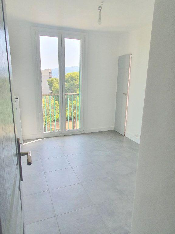 Appartement à louer 4 67.92m2 à Marseille 13 vignette-8