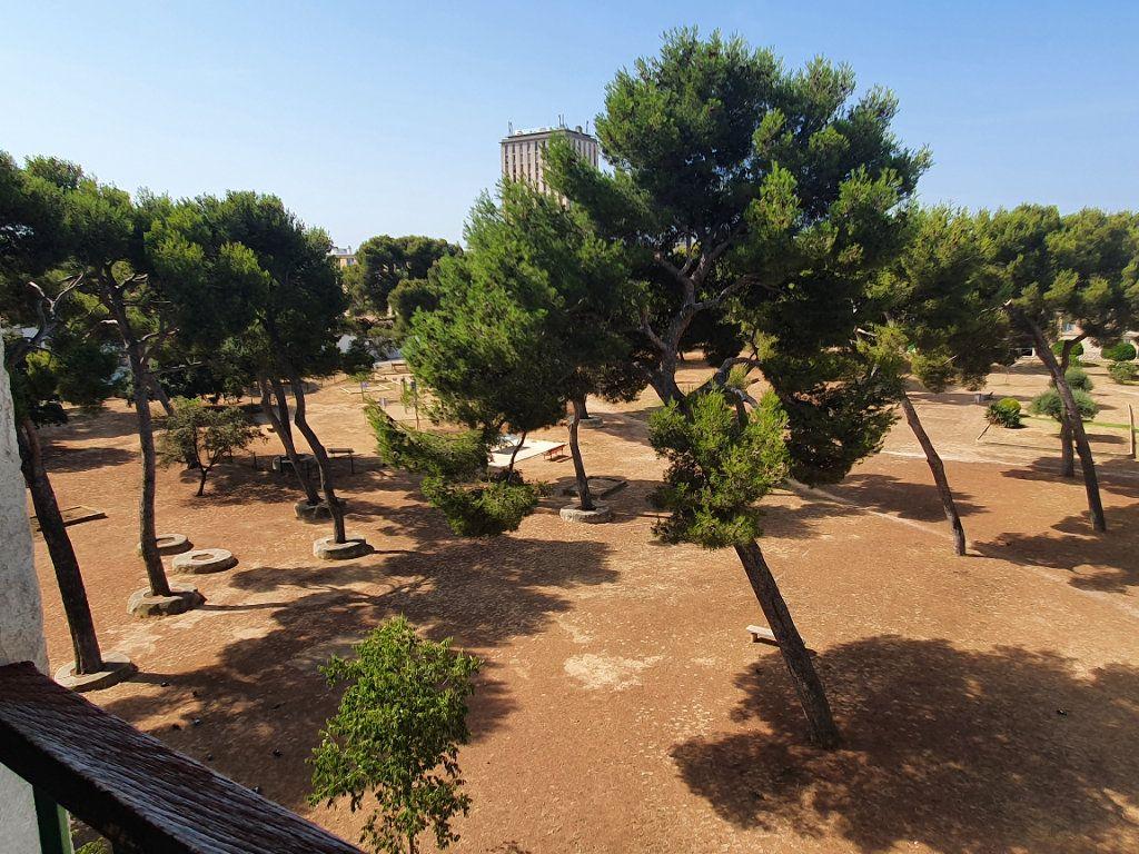 Appartement à louer 4 67.92m2 à Marseille 13 vignette-10