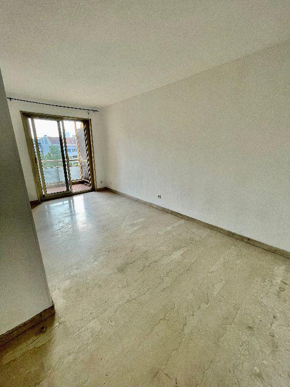 Appartement à vendre 1 20m2 à Marseille 6 vignette-3