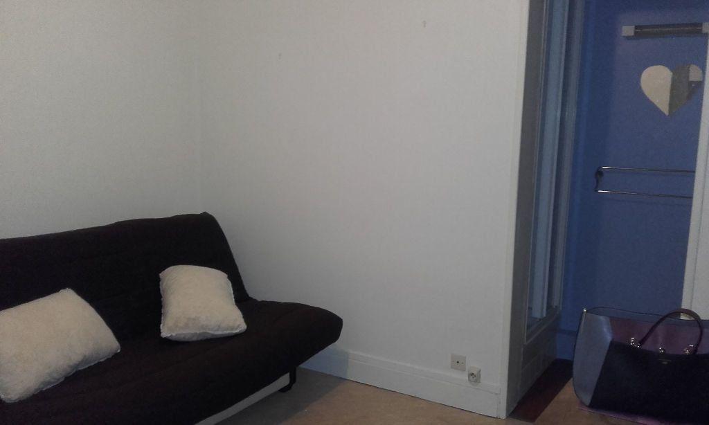 Appartement à louer 1 15.61m2 à Compiègne vignette-2