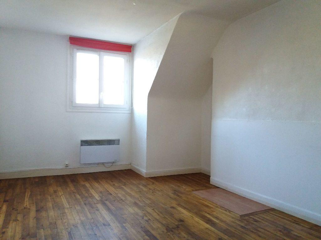 Appartement à louer 2 46.78m2 à Compiègne vignette-2