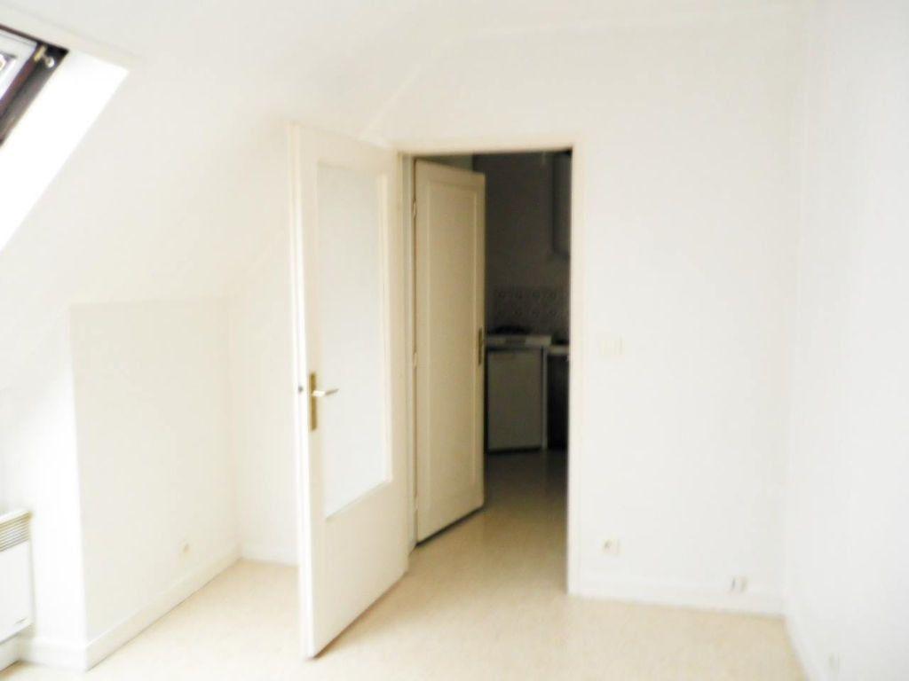 Appartement à louer 1 18.36m2 à Compiègne vignette-1