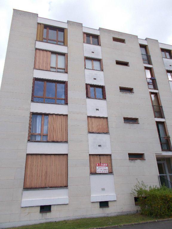 Appartement à louer 1 29m2 à Compiègne vignette-4