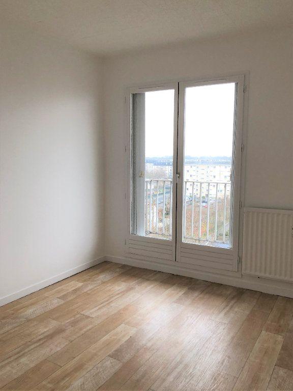 Appartement à louer 2 46.81m2 à Compiègne vignette-5