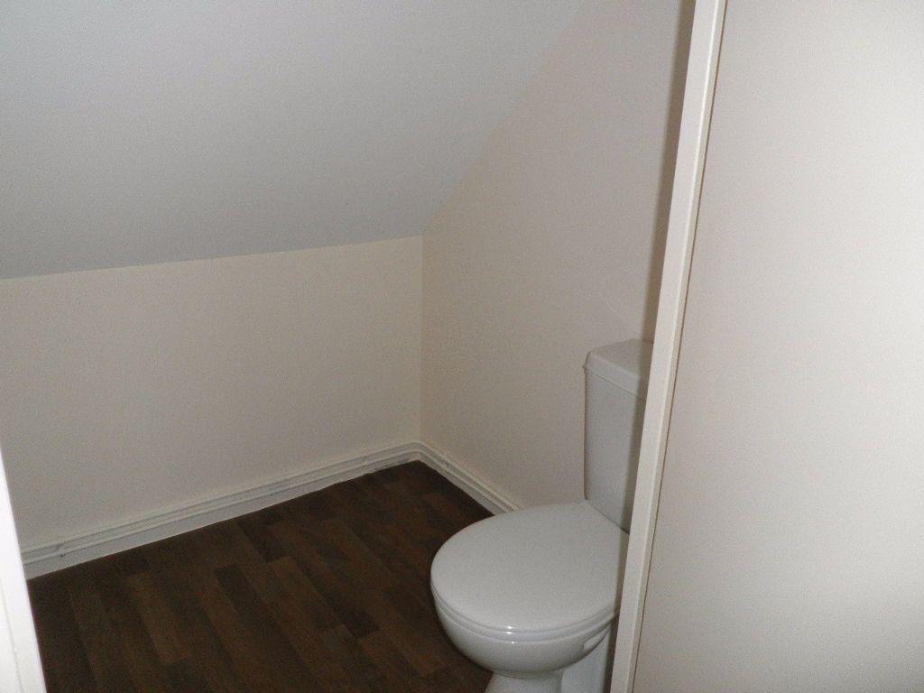Appartement à louer 4 67.5m2 à Compiègne vignette-6