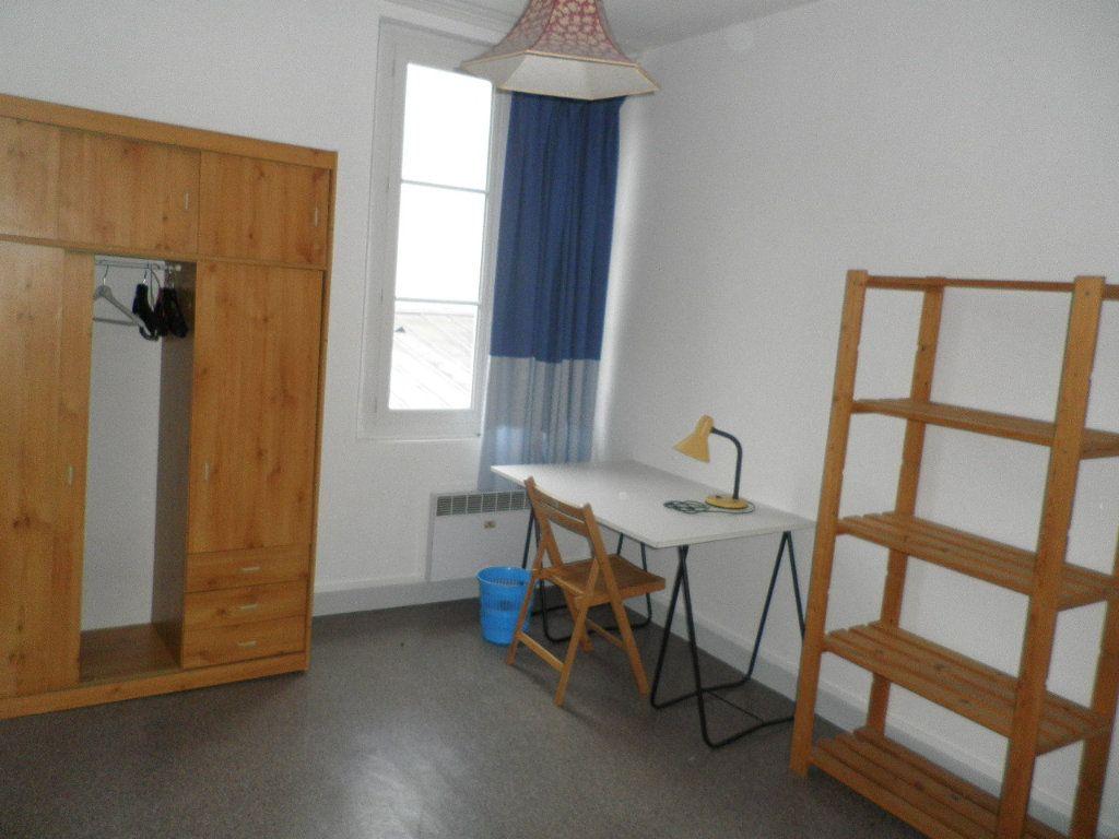 Appartement à louer 1 10.02m2 à Compiègne vignette-3