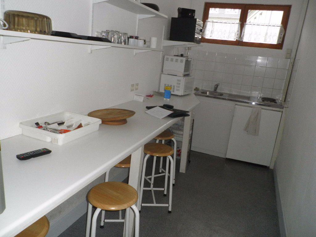 Appartement à louer 1 10.02m2 à Compiègne vignette-4