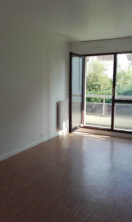 Appartement à louer 1 29.09m2 à Margny-lès-Compiègne vignette-1
