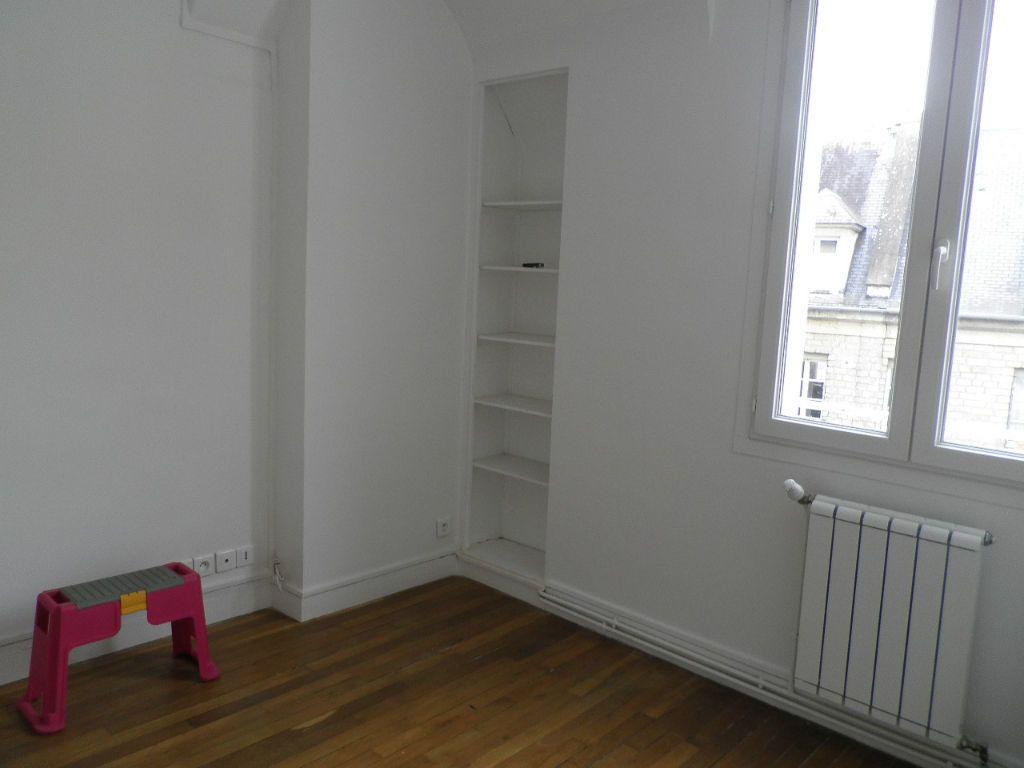 Appartement à louer 2 31.08m2 à Compiègne vignette-2