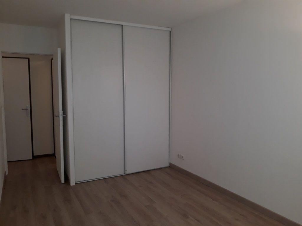 Appartement à louer 2 50.83m2 à Compiègne vignette-5