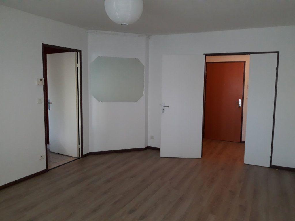 Appartement à louer 2 50.83m2 à Compiègne vignette-7