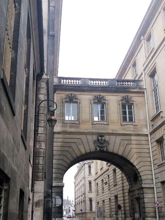 Appartement à louer 2 32.5m2 à Compiègne vignette-3